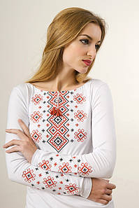 Женская вышитая футболка с длинным рукавом в этно стиле «Красный карпатский орнамент»