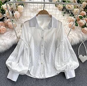 Белая рубашка с вышивкой из прошвы с широким рукавом женская (р. 42-46) 79ru458