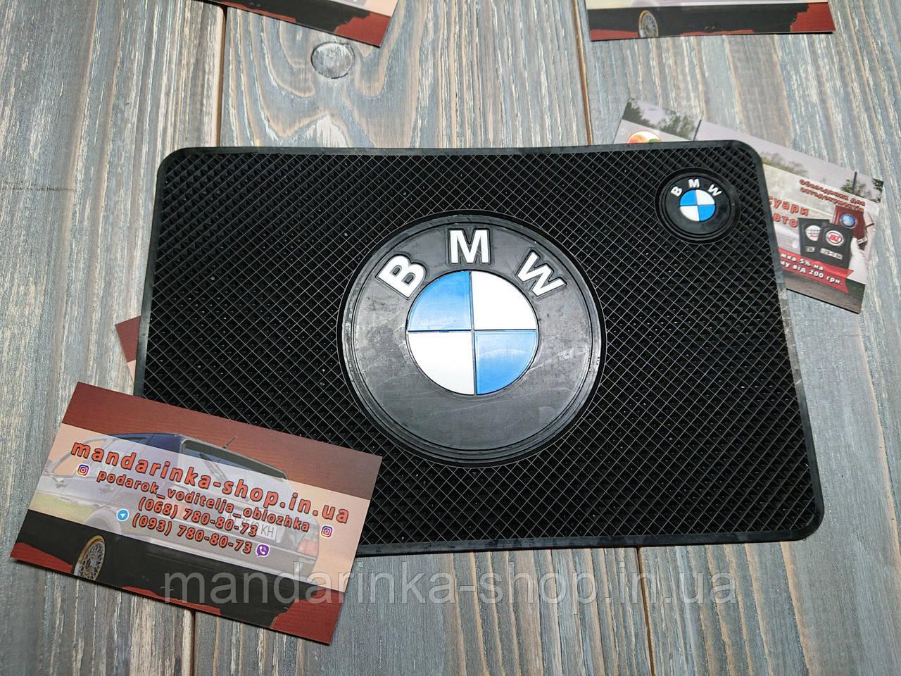 Антискользящий коврик на панель авто BMW (БМВ)