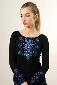 Стильная вышиванка с длинным рукавом черного цвета «Карпатский орнамент (голубая вышивка)»