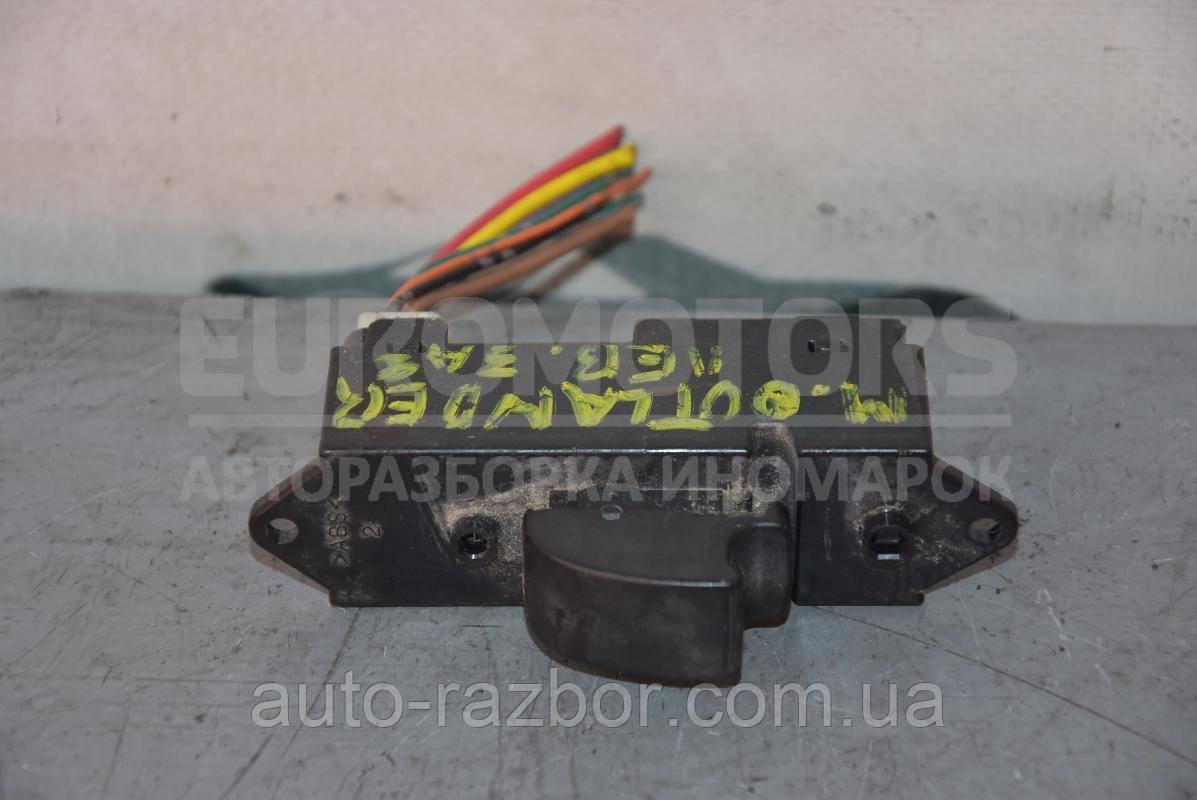 Кнопка склопідіймача задня ліва Mitsubishi Outlander XL 2006-2012 8608A063