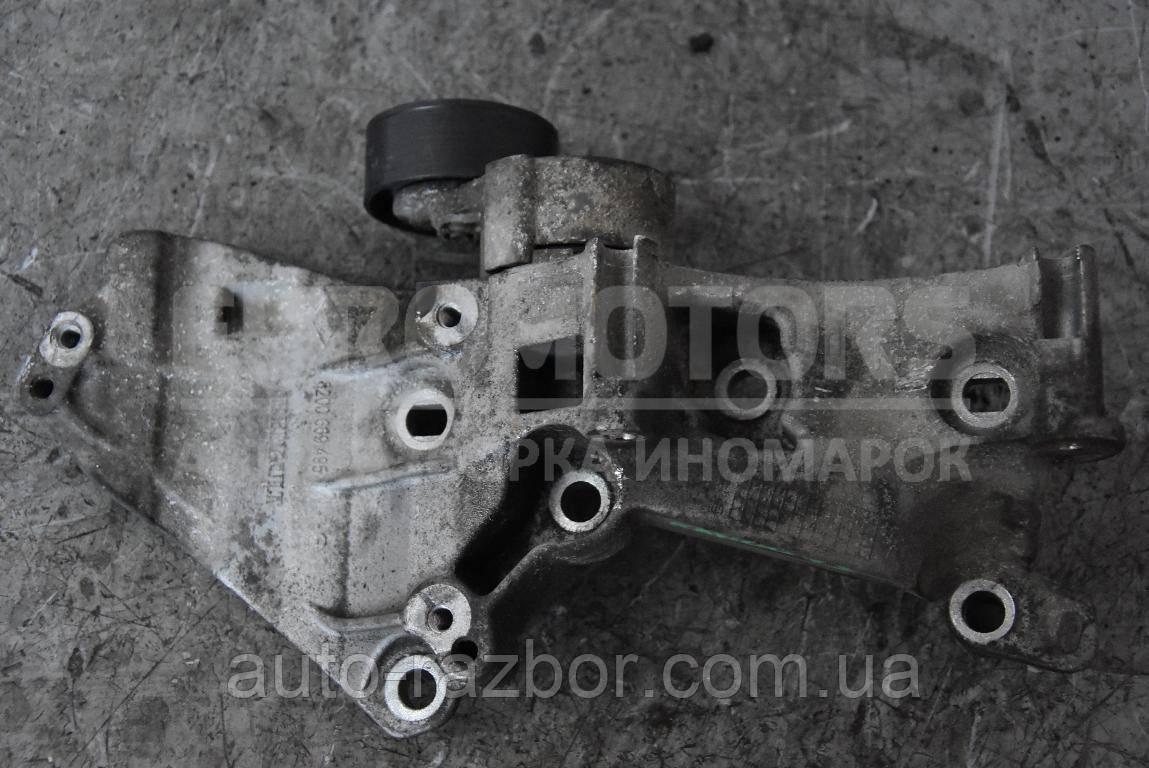 Кронштейн генератора і кондиціонера Renault Kangoo 1998-2008 1.5 dCi 8200669495