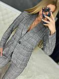 Женский стильный брючный костюм в клетку, фото 3