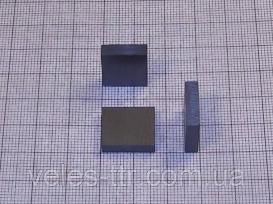 Магнит ферритовый 15х13х4 мм