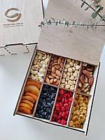 Фруктово-ореховый набор подарочный