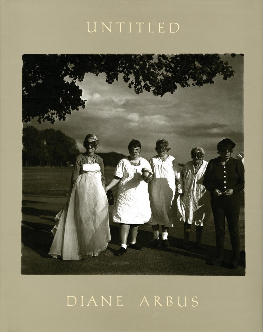 Книга Diane Arbus: Untitled.