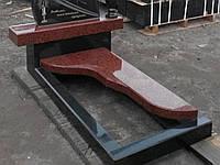Фигурная плита из красного гранита с цветником