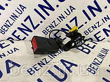 Замок ремня безопасности задний левый Mercedes C207, W204 A2048600969