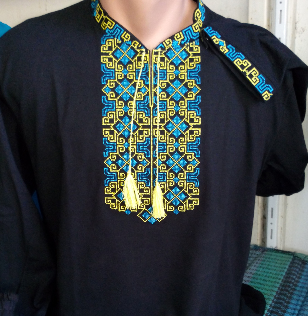 Мужская футболка с вышивкой  216 САК