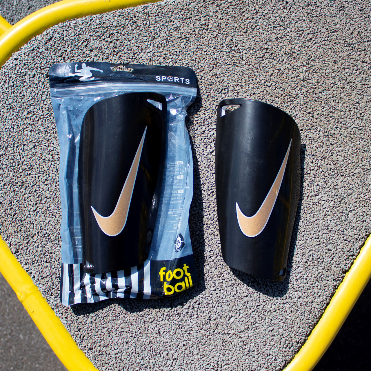 Футбольные щитки Nike (черный)