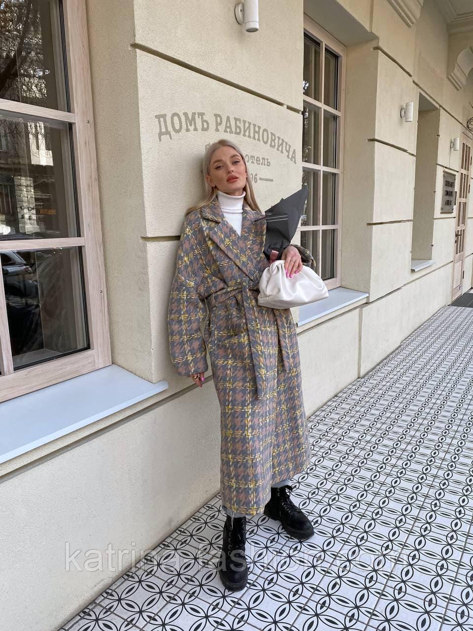 Пальто гусиная лапка прямого кроя в стиле oversive с поясом женское