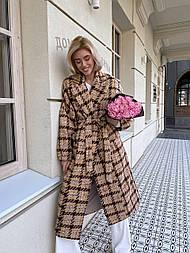 Пальто в клетку бежево-коричневое прямого кроя в стиле oversive с поясом женское