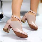 Ефектні зручні рожеві жіночі туфлі з еластичними вставками на підборах, фото 2