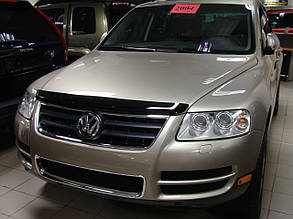 Дефлектор капота Volkswagen Touareg/ Фольксваген Туарег 2003-2010 Хик на крепежах