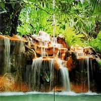 Стеклянное панно в ванную комнату Водопад