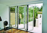 Раздвижные или распашные двери на балконе: выбираем лучшее