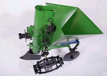 Картофелесажалка для мотоблока квадратная зелёная 35 л с бункером для удобрений  Зализо