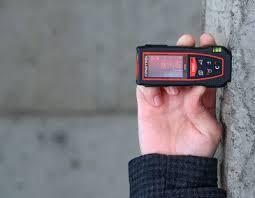 Лазерный измерительный инструмент