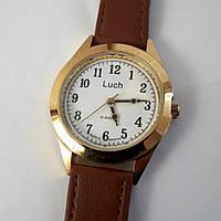 Чоловічий механічний годинник з арабськими цифрами чоловічі на ремінці золотисті з білим циферблатом Промінь Промінь 126
