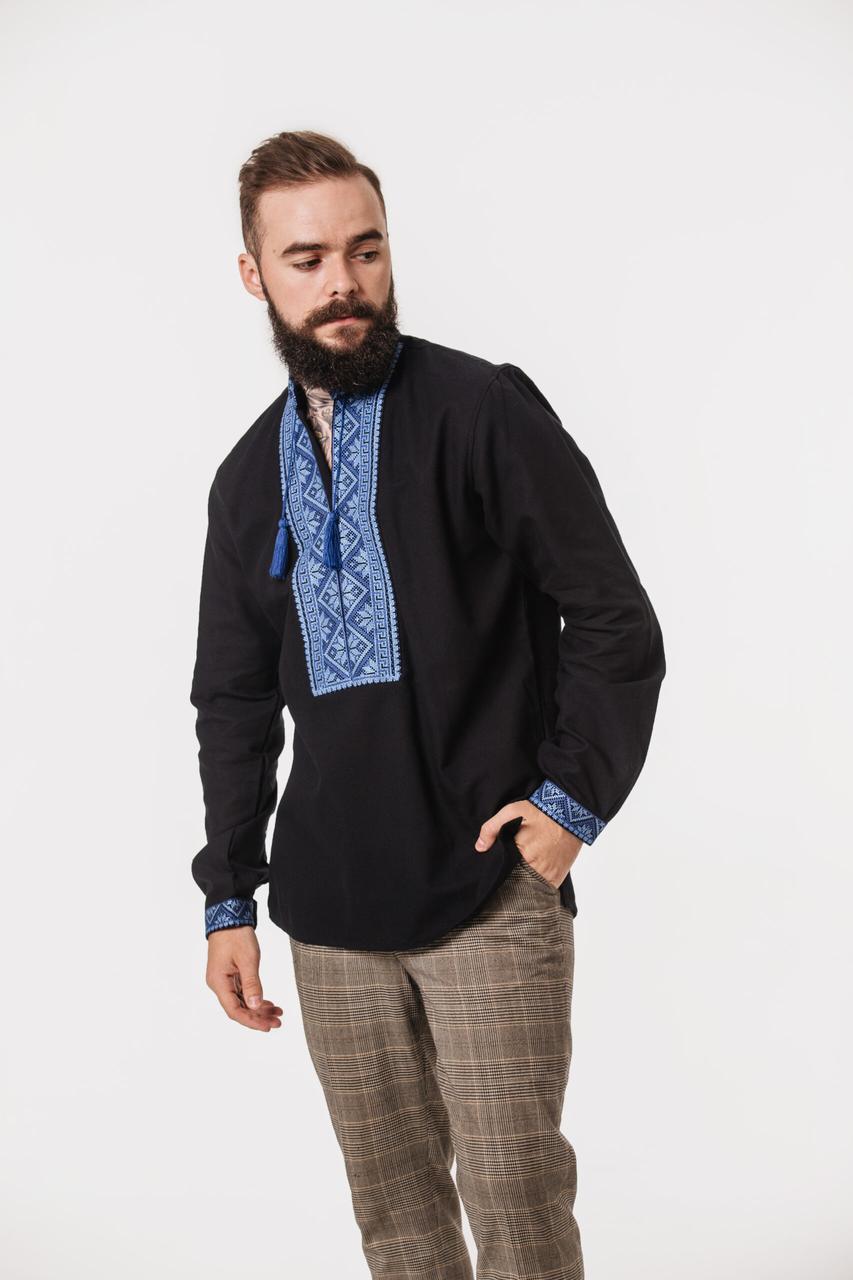 Чорна вишиванка Чугайстер з синім орнаментом