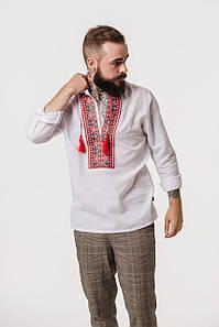 Белая вышиванка Чугайстер с красным орнаментом