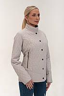 Весняна жіноча куртка