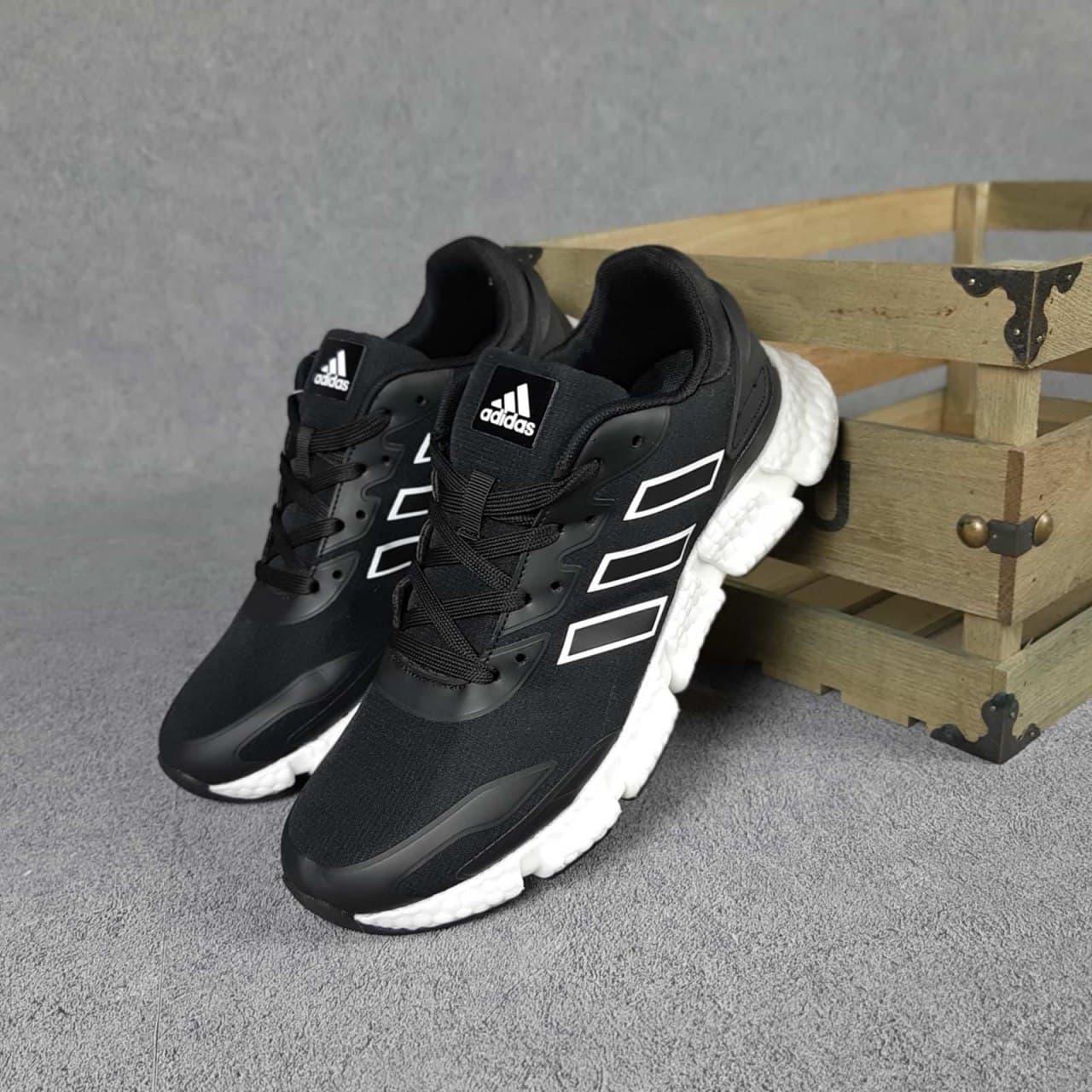 Кросівки чоловічі Адідас чорні на білій підошві