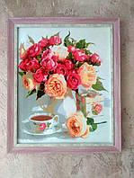 Картина акрилом Цветы на столе интерьер дома 40х50см в раме покрыта глянцевым лаком
