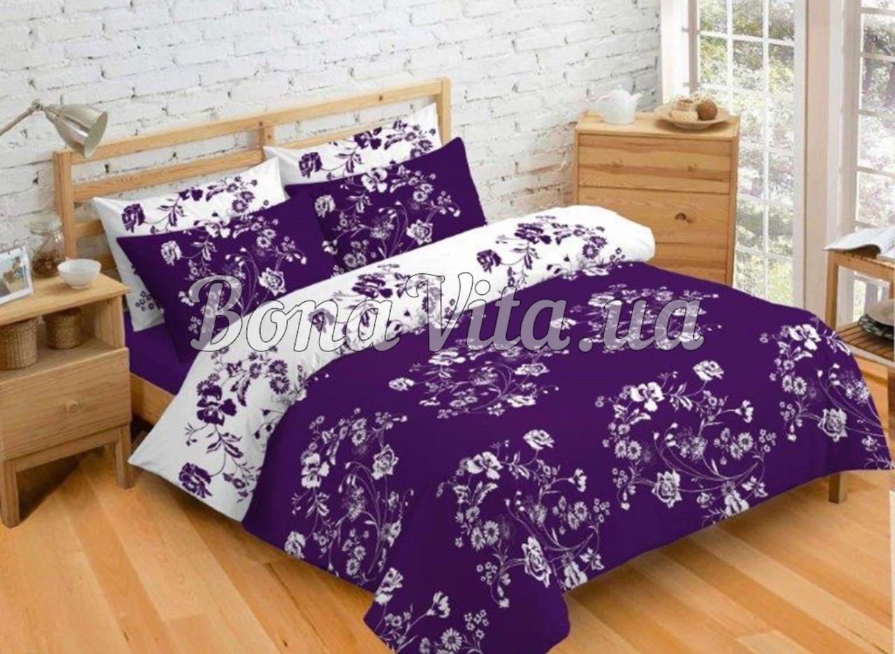 Постельное белье бязь голд люкс семейный бело-фиолетовый с цветочным принтом.