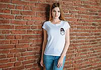 Женская белая футболка, карман с таксой