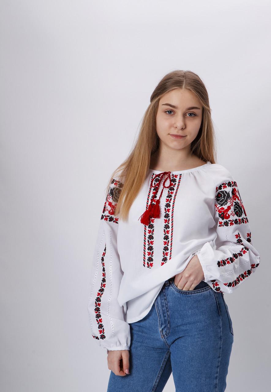 """Вишиванка підліткова з  сучасною вишивкою  """"Чорна троянда""""164 р"""