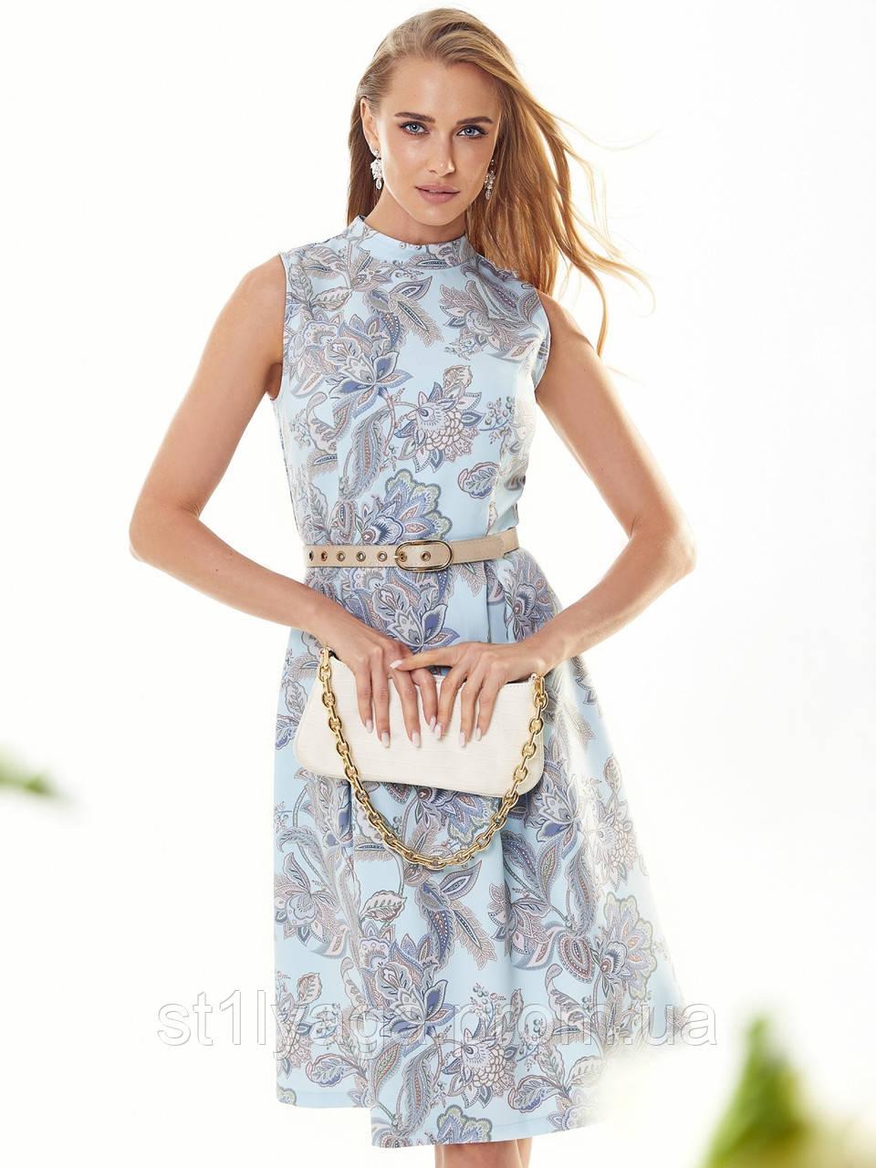 Прінтована плаття без рукавів з коміром-стійкою