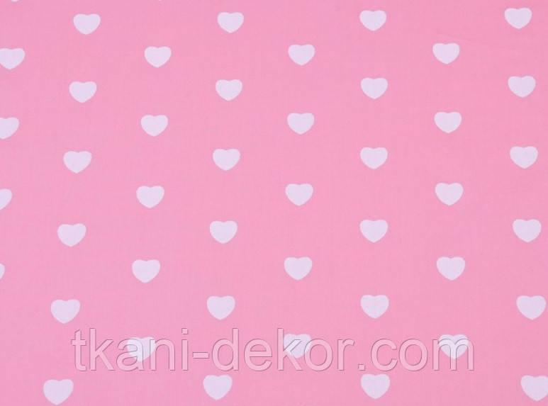Сатин (хлопковая ткань) на розовом фоне персиковые сердечки