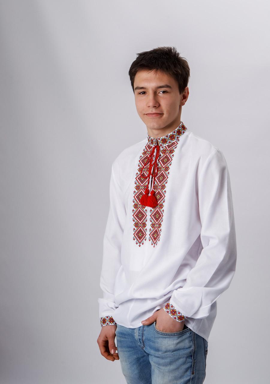 Подростковая вышиванка с красной вышивкой 158 р