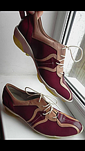 Стильные эксклюзивные женские  кроссовки 38,5 размер