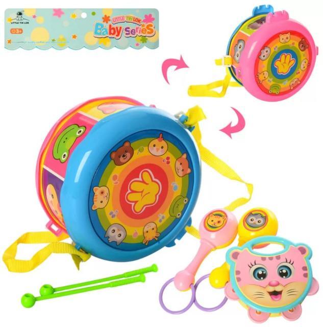 Різні дитячі музичні інструменти