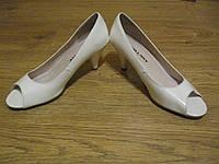 туфли женские б\у белые лакированные б\у размер 37, фото 1