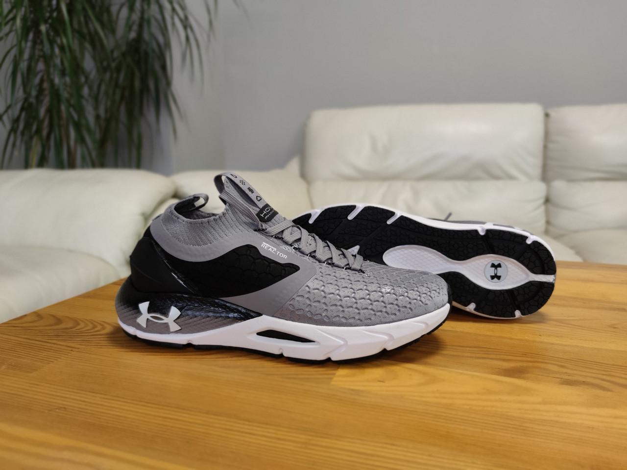 Чоловічі сірі текстильні кросівки Under Armour Hovr Phantom