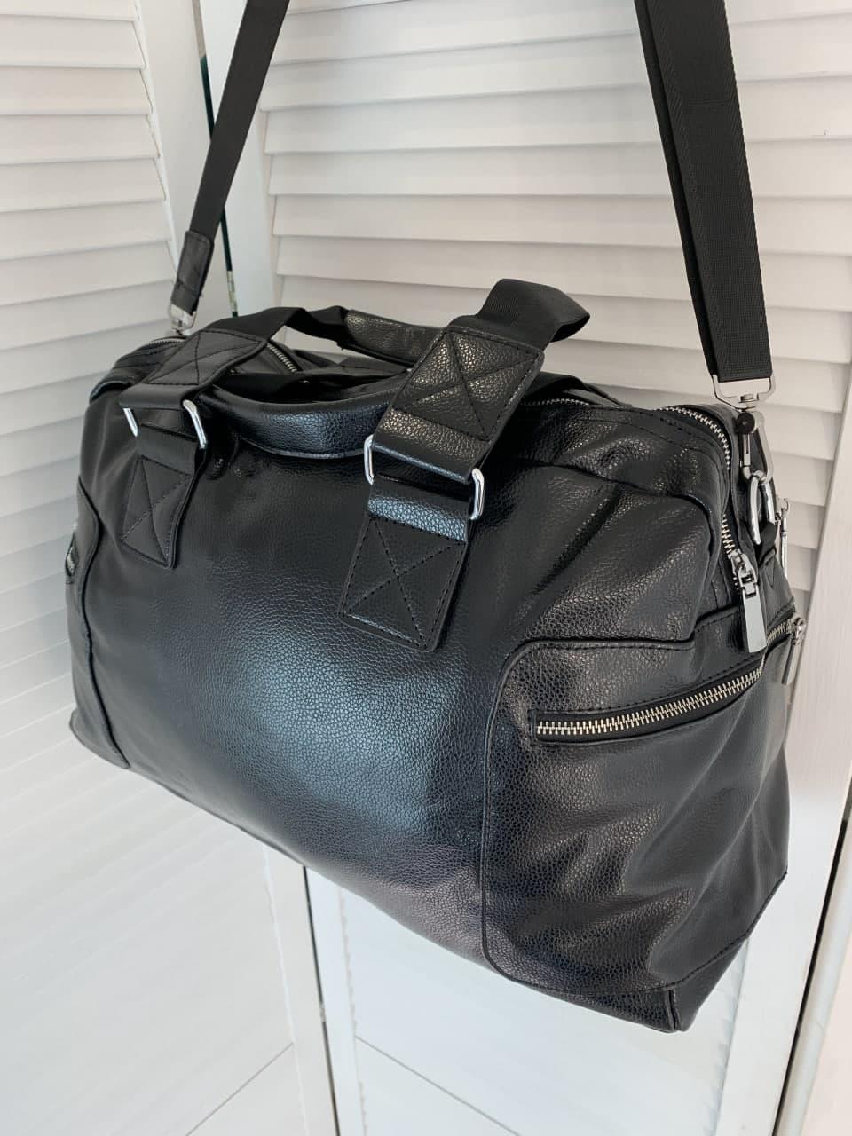 Спортивна сумка чорна шкірозамінник