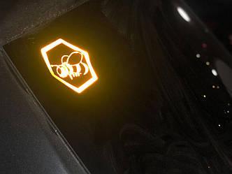 """Наклейка на Автомобіль - """"Бджілка"""" 2"""