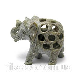 Слон різьблений кам'яний 6х7х3 см 28661