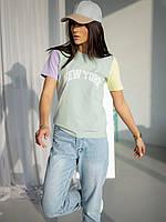 Модная футболка с цветными рукавами с красивым принтом