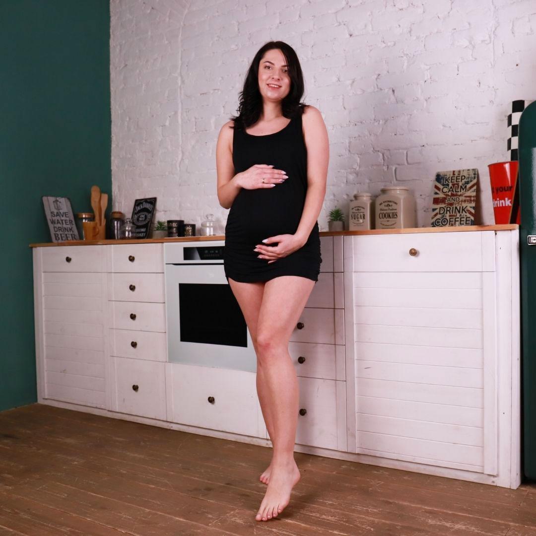 Туника майка со вшитым бюстгальтером для беременных черная