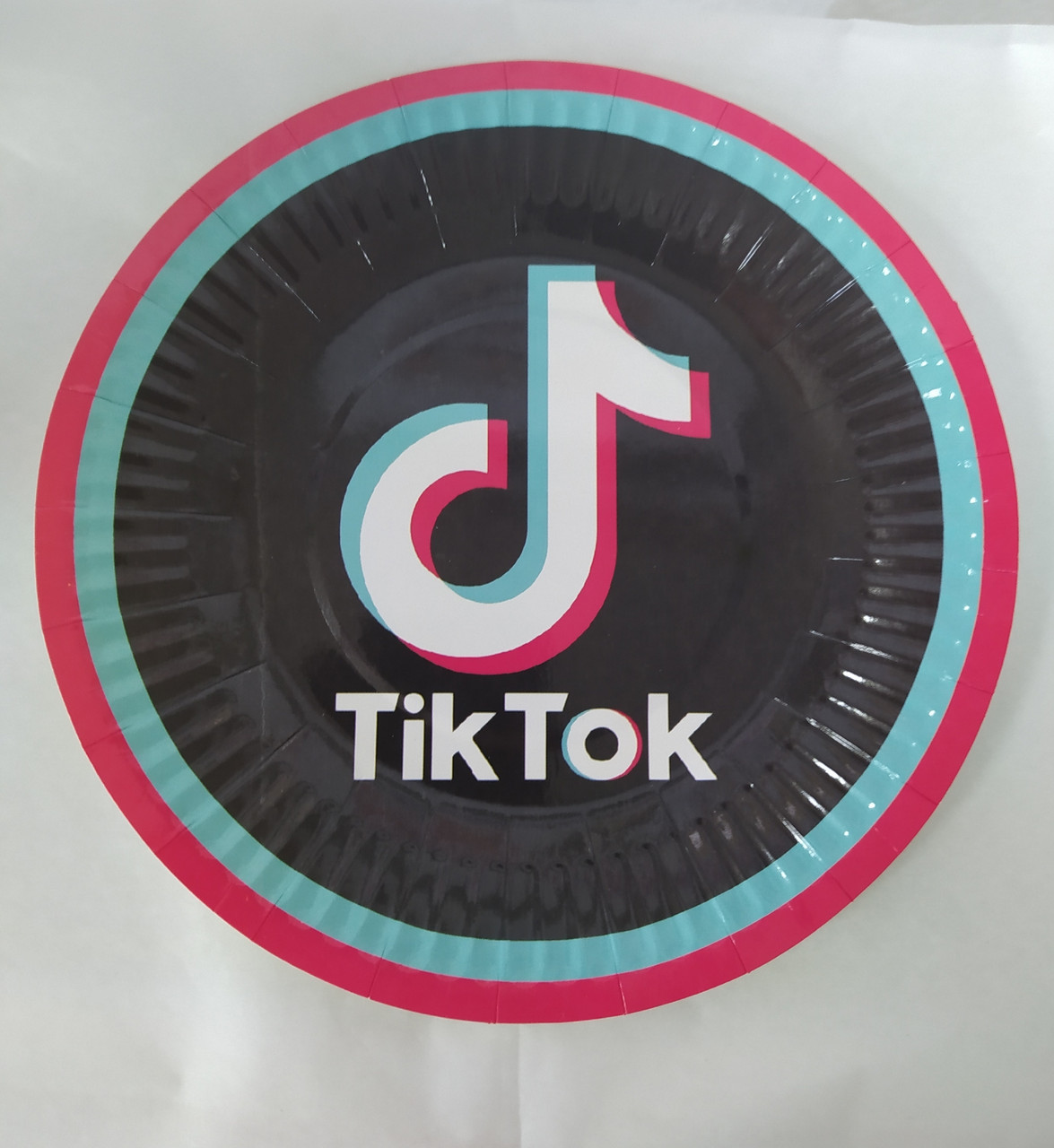 Набор бумажных тарелок принт Tik Tok 18см 5шт.