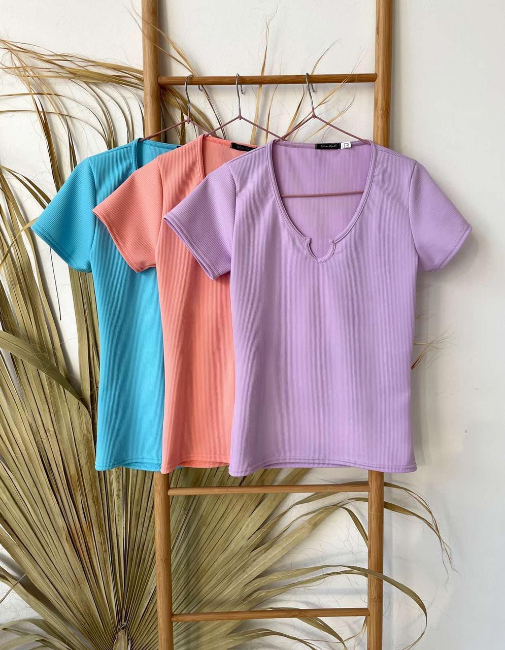 Универсальная женская футболка с фигурным вырезом 42-48 (в расцветках)