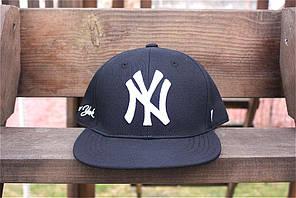 Чоловіча бейсболка snapback NY