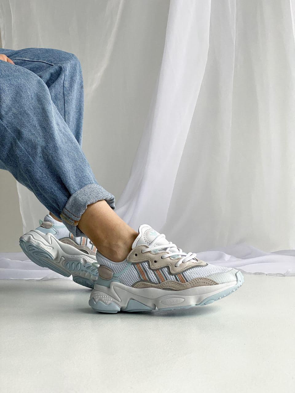 Женские кроссовки Adidas Ozweego (Белые)