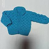 Костюм для новорожденного вязанный модный красивый нарядный оригинальный бирюзового цвета для мальчика., фото 3