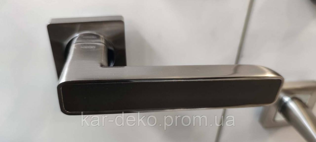 Ручка міжкімнатна квадратна сатин/чорний