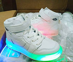 Кросівки демі з лед світлом розмір 26-36 рр